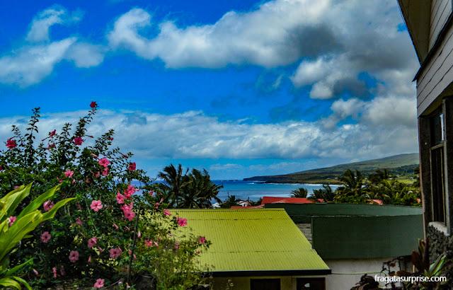 Vista para o mar da varanda do Tupa Hotel, na Ilha de Páscoa