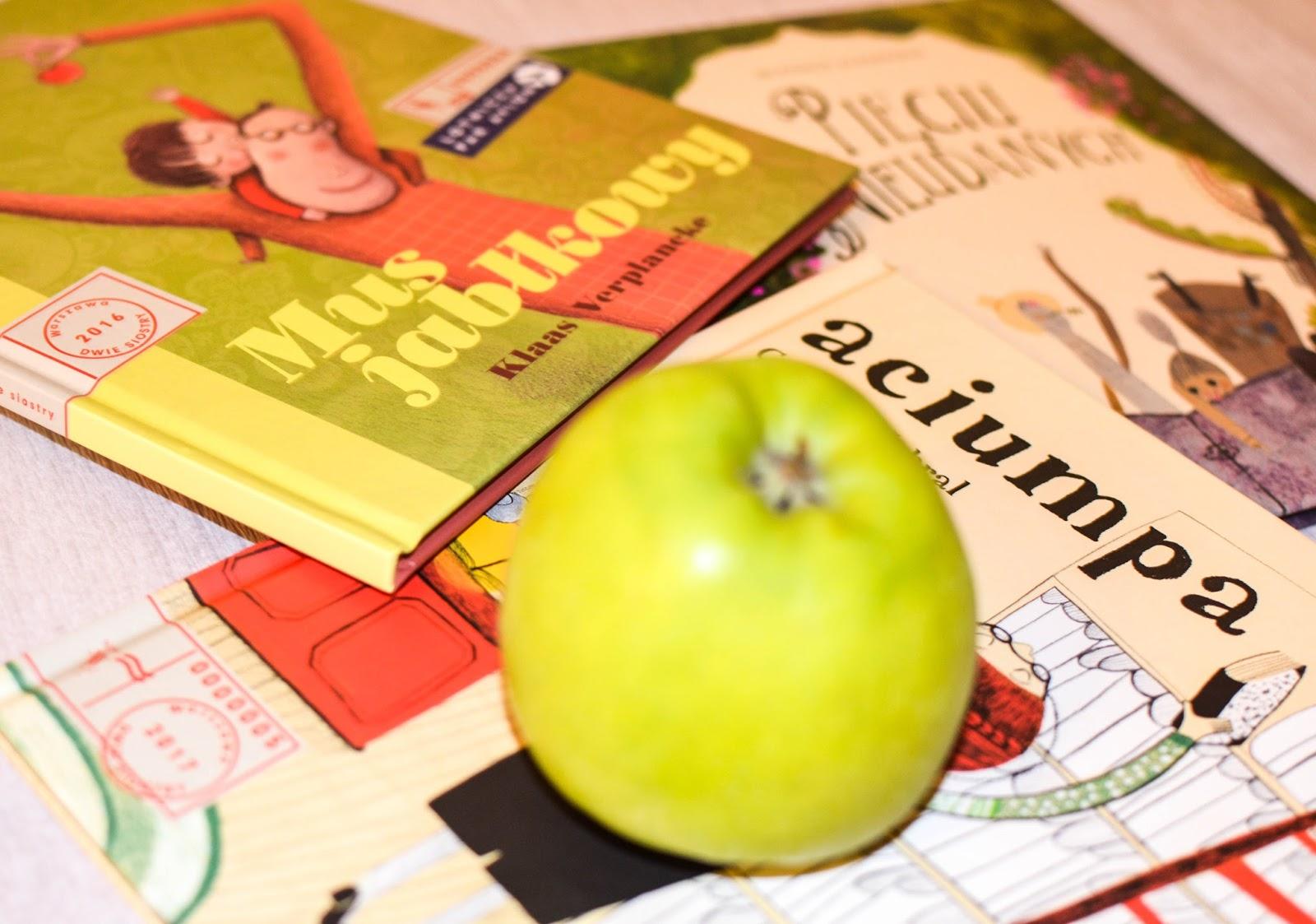 mus jabłkowy, aciumpa, pięciu nieudanych, książki dla dzieci, polecone z zagranicy, dwie siostry