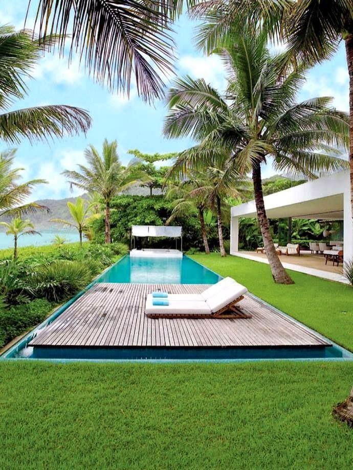 piscina-com-deck-madeira