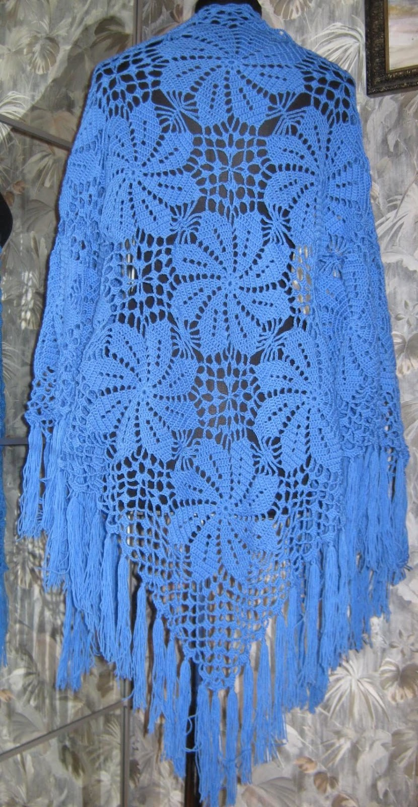 how to crochet a shawl - Pattern Free.