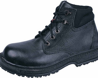 model sepatu gunung pria