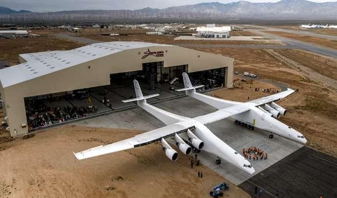 Paul Allen's Massive Stratolaunch Aircraft