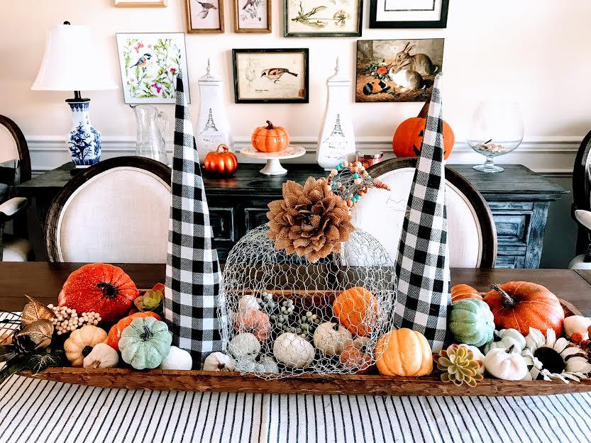 pumpin-chicken-wire-craft-fall-thanksgiving-halloween-athomewithjemma