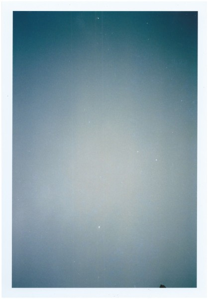 Jason Mena Martínez, Another Perfect Day (Nothing but Blue Skies), 2002-presente, 365 C-Prints..