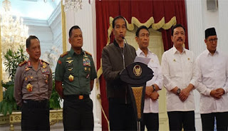 Jleb .. Presiden : Demo 4 NOv Ditunggangi Aktor Politik, Fahri Hamzah: Presiden Jokowi ditunggangi terduga pelaku pidana