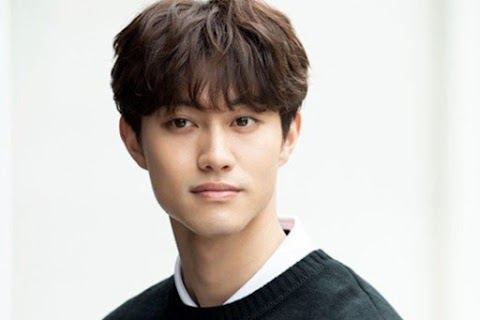 Kwak Dong Yeon signs exlusive contract with agency