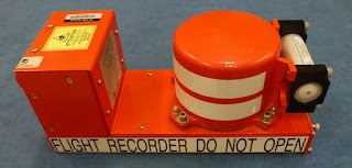 Sumber : Black box flight Recorders, Fact Sheet, Australian Transport Safety Bureau.