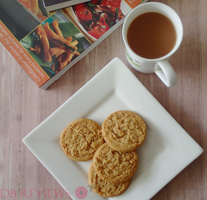 Churchills Art Deco Tin - Violet with Lemon and Ginger Cookies
