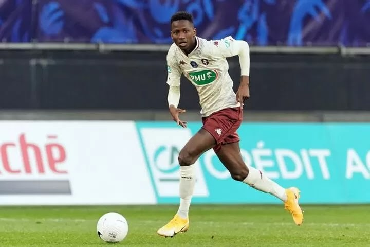 Chelsea emerge as rivals for Metz starlet Pape Sarr