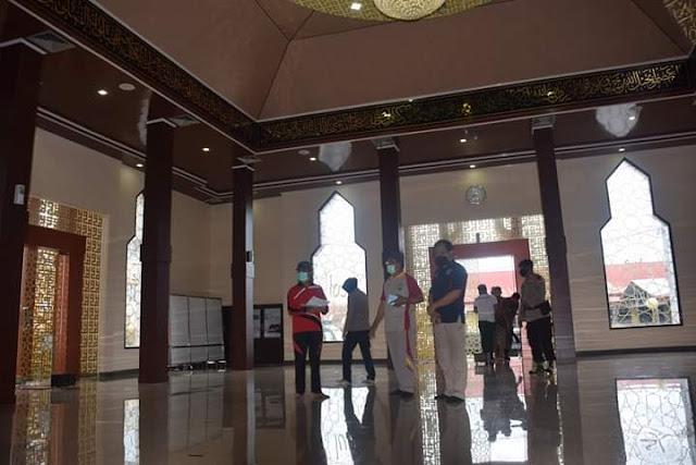 Tim Gugus Covid-19 Kabupaten Bone Datangi Masjid Polres Bone