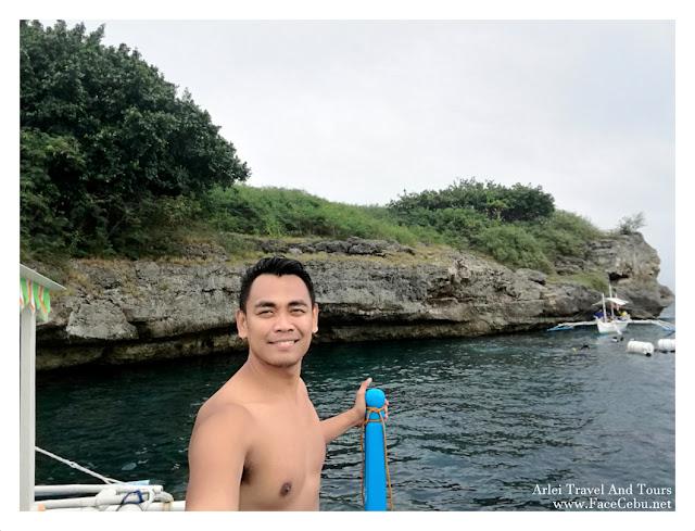 Mark Monta in Pescador islet