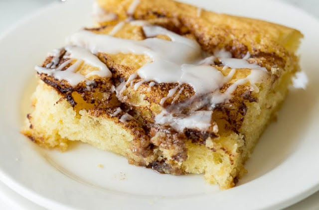Cinnamon Roll Sheet Cake Recipe #cake #desserts