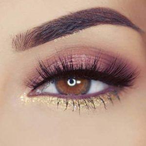 Os olhos castanhos são maravilhosos para fazer diversos tipos de maquiagens e ficam incríveis e podem ser uma arma incrível para conquistar o crush. Muitas pessoas acham que os olhos claros atraem mais, porém isso é um engano, pois os olhos castanhos tem um poder de sedução que nenhum outro tem e vou te mostrar que a make pode te ajudar a destacar ainda mais o seu olhar e te deixar ainda mais incrível para qualquer ocasião.