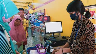 Launching Toko Mustika, Ditandai Dengan Bagi-Bagi Masker