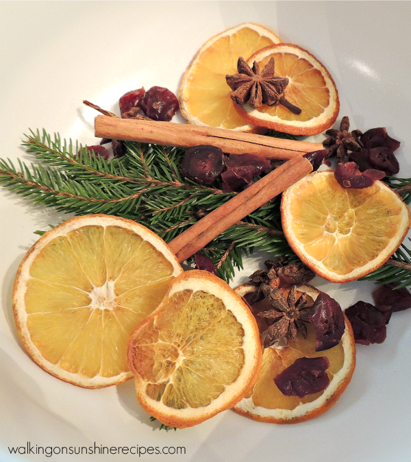 Simmering Potpourri - A Great Christmas Gift Idea from Walking on Sunshine Recipes.