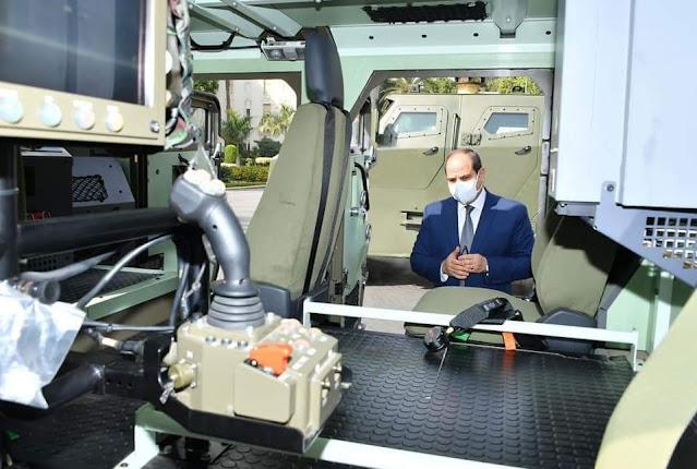الرئيس السيسي يتفقد عدداً من المركبات متعددة الاستخدام