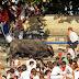 Touro feroz invade arquibancada lotada e fere 19 na Espanha. Veja!
