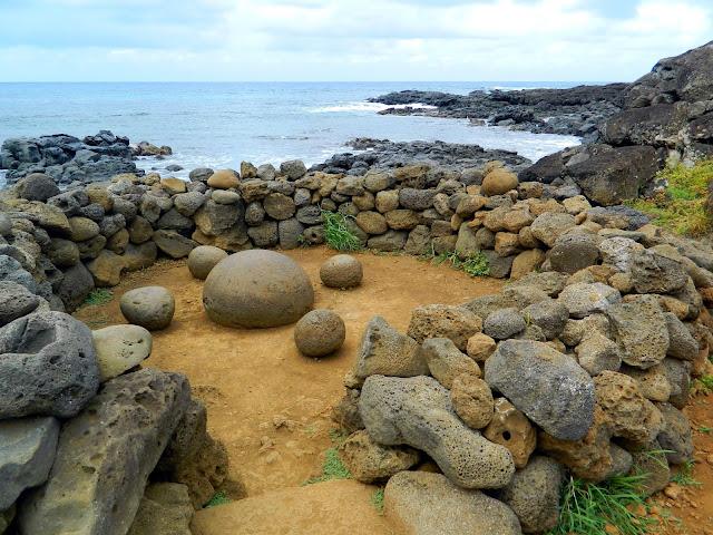 """Altar de pedras que representa """"o umbigo do mundo"""""""