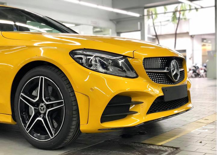 Mercedes-Benz C300 AMG sơn màu độc từ 40 triệu tại Việt Nam
