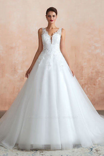 Fantastic Tulle Appliques Sleeveless White Wedding Dress