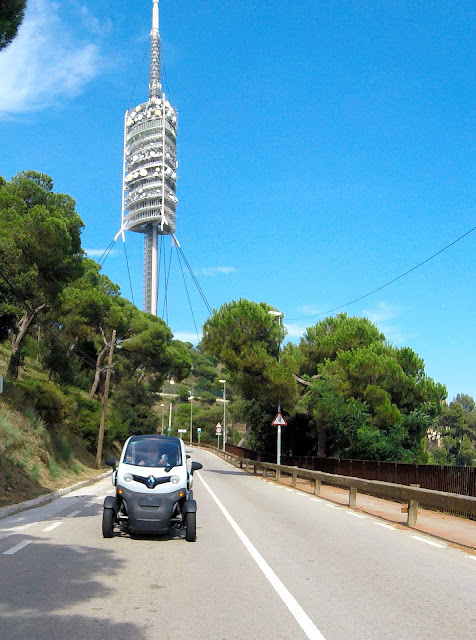 Barcelona sightseeing tours in electric cars