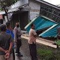Dua Kios di Rembang Ambruk Terbawa Longsor