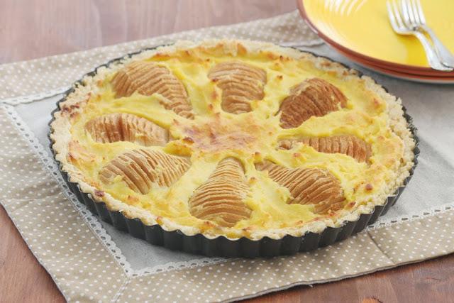 Crostata frangipane alle pere, czyli tarta z gruszkami z kremem frangipane