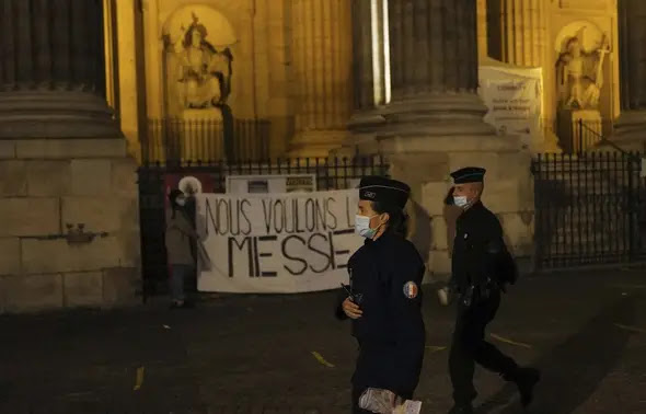 Confinement : Gérald Darmanin met en garde les manifestants des rassemblements « pour la messe »