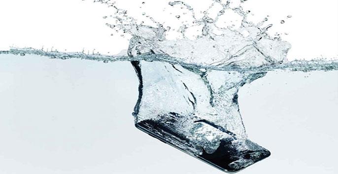 Cách giúp xử lý điện thoại bị vô nước