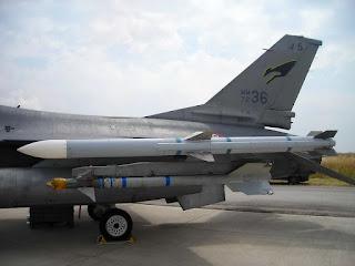 Rudal AIM-120C-7 AMRAAM