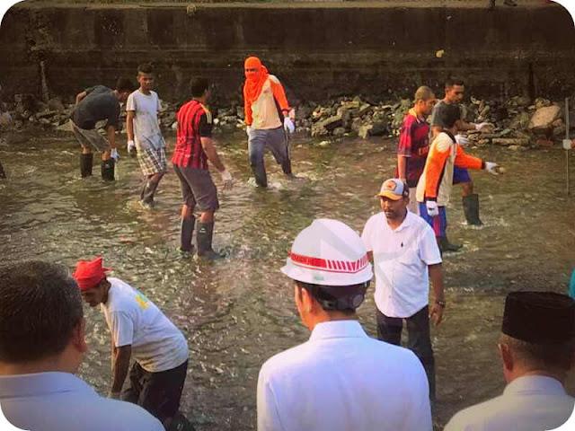 Presiden Jokowi Tinjau Padat Karya Desa Batu Merah Bernilai Rp296 Juta