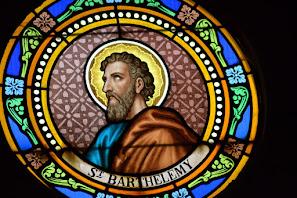 Vitrail représentant saint Barthélemy.