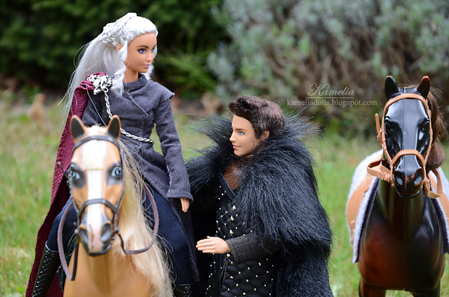 Game of Thrones costumes for Barbie dolls