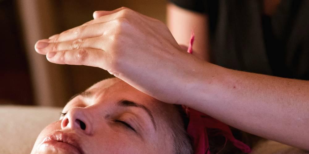 espiritismo passe magnetico cura espiritual allan kardec imposicao maos