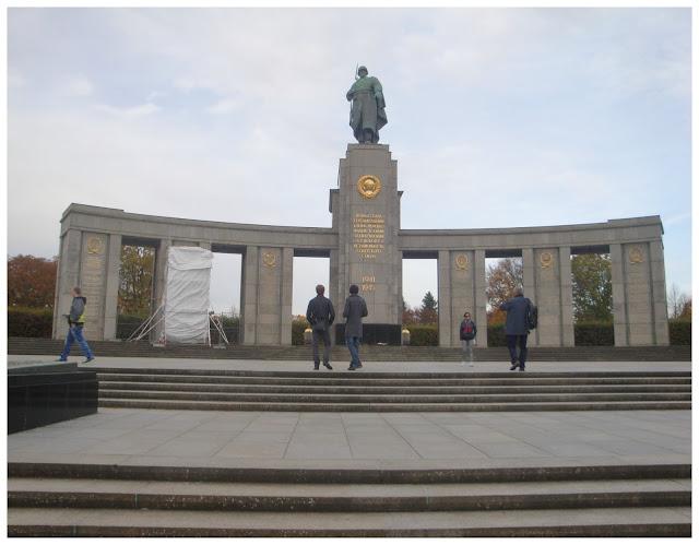Berlim grátis - Memorial de Guerra Soviético no Tiergarten
