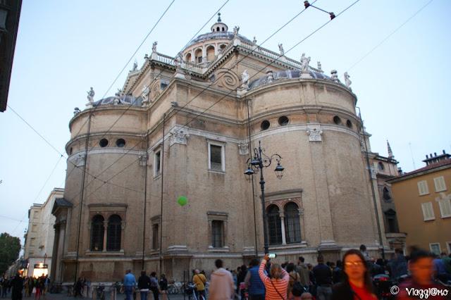 L'esterno della Basilica di Santa Maria della Steccata di Parma