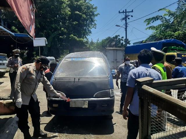 Angkot Tambun Terbakar di Bandar Sono, 3 Korban Alami Luka Bakar