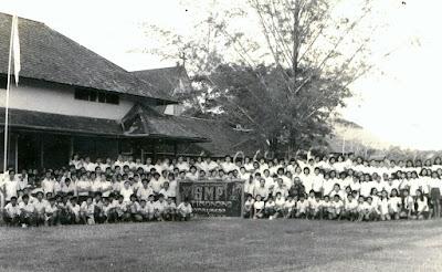 ALUMNI LULUSAN TAHUN 1974 SMP TIMONONG NYARUMKOP SINGKAWANG
