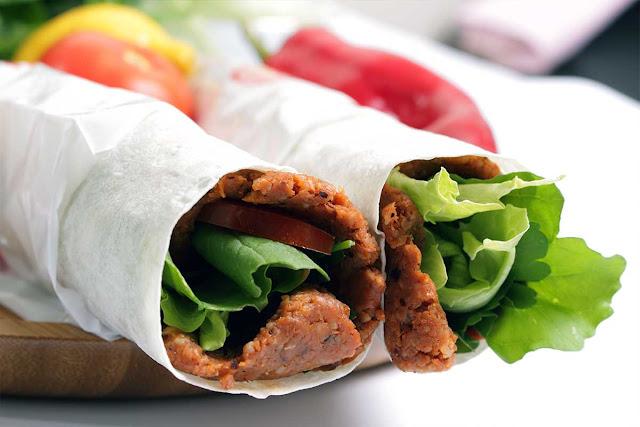 Çiğ köftenin faydaları nelerdir? etsiz çiğ köfte nasıl yapılır? çiğ köfte nasıl saklanır? çiğ köfte kolestrol, çiğ köftenin yararları neler?