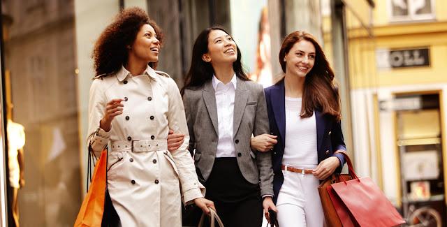 نصائح خبراء التسوق الفاخر بشأن أفضل طرق إنفاق الأموال