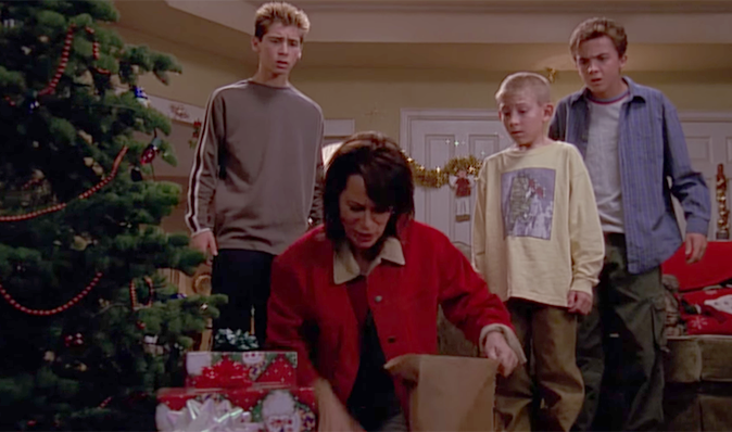 Malcolm In The Middle Christmas.Malcolm In The Middle Christmas 2001 Christmas Trees