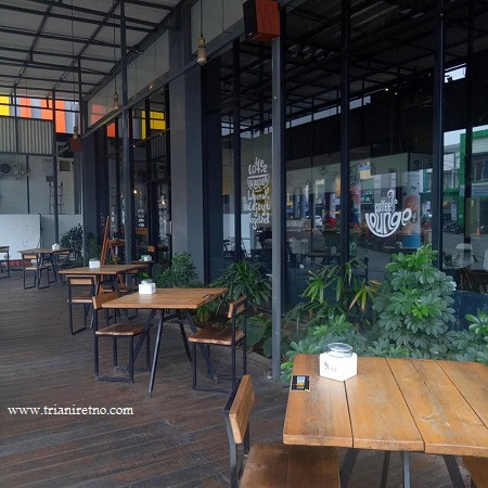smoking area di coffee shop