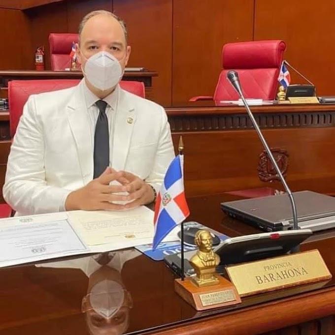 Senador José del Castillo con intensa labor legislativa en favor de la provincia de Barahona.