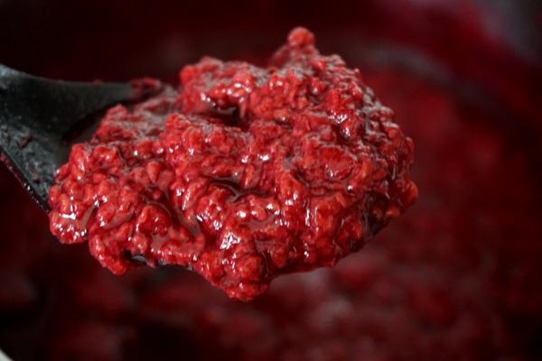 konfitura malinowa bez cukru, jagnizowane owoce