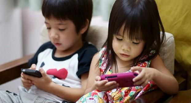 8 Cara Kawal Anak Daripada Ketagih Gajet Smartphone / Tab / iPad