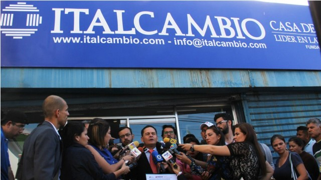 Vielma Mora admite fracaso de tasa de cambio fronteriza