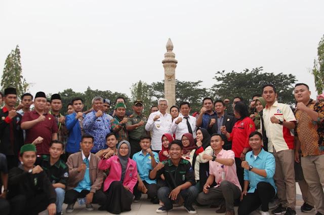 Kenang Sumpah Pemuda, 1000 Pemuda Sumsel Tabur Bunga di Makam Pahlawan