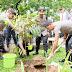Gelorakan Peduli Lingkungan , Kapolri  Idham Aziz Tanam Pohon Eboni di Sulsel
