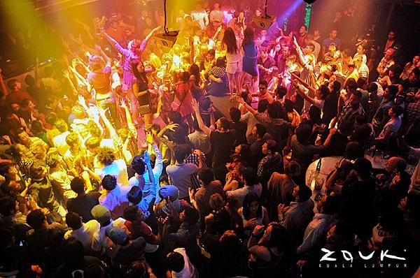 Sky Avenue Genting Zouk Club