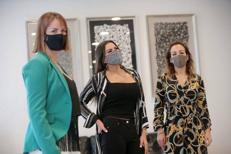 Marlene de la Fuente se asoció con amigas y vende mascarillas fashion